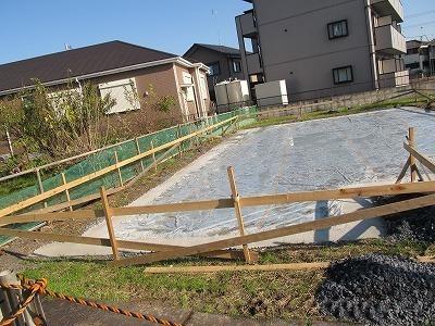 地盤防湿シート.jpg