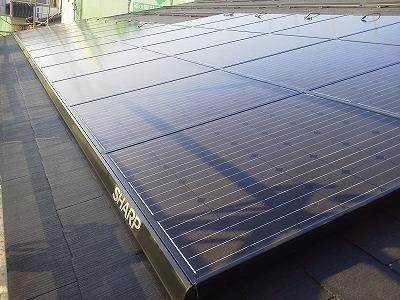 太陽光パネル貼り.jpg